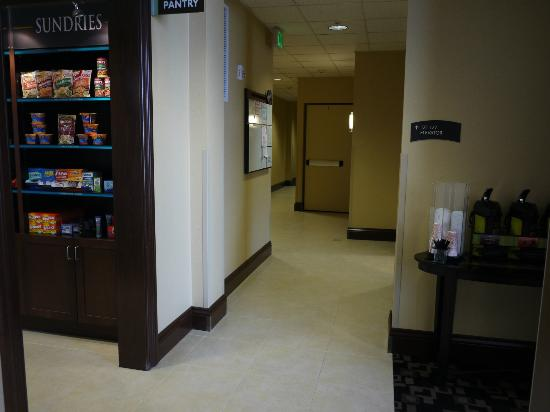 Staybridge Suites Reno Nevada: Pantry