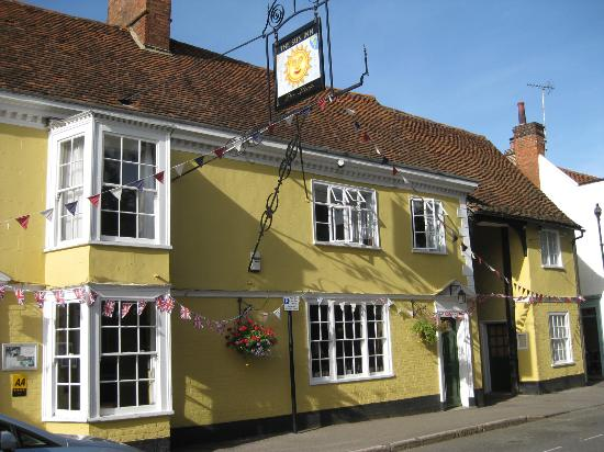 The Sun Inn: inn from street view