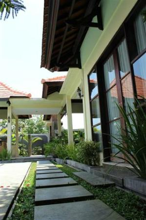 Dura Villas Bali: To the exit door