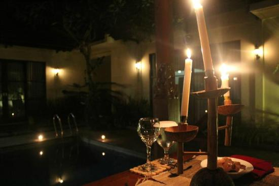 Dura Villas Bali: Candle Light Dinner @ villa