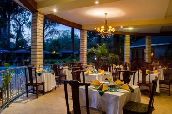 Kibo Palace Hotel : Pool Terrace