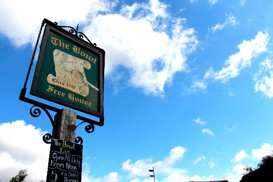 The Bowl Inn: Inn sign