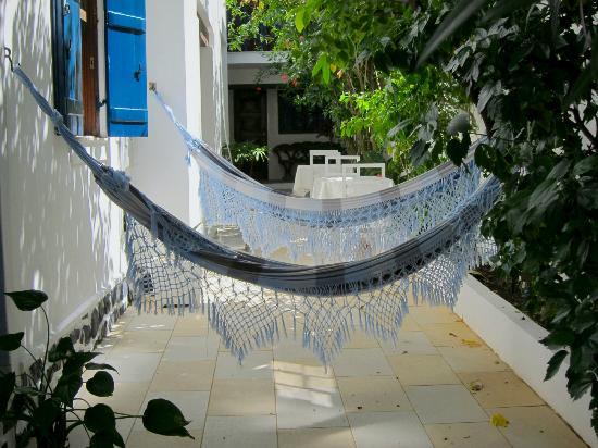 Pousada Estrela do Mar: le jardin et ses hamacs