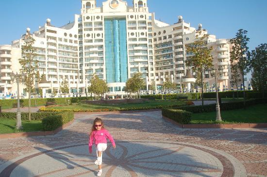 Sunset Resort: Blick vom Strand