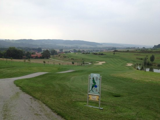 Golfpark Bella Vista: One of the back holes, overlooking the Alps