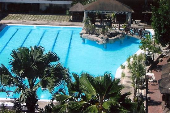 Pool picture of kalipayan resort dasmarinas city - Beach with swimming pool in cavite ...