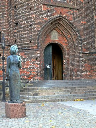 Church of St. Mary (Mariakyrkan): Entrance to Church of St. Mary in Helsingborg, Sweden