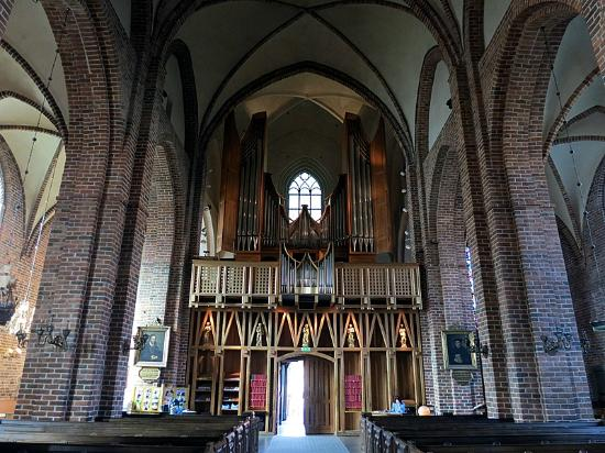 Church of St. Mary: The magnificent church organ