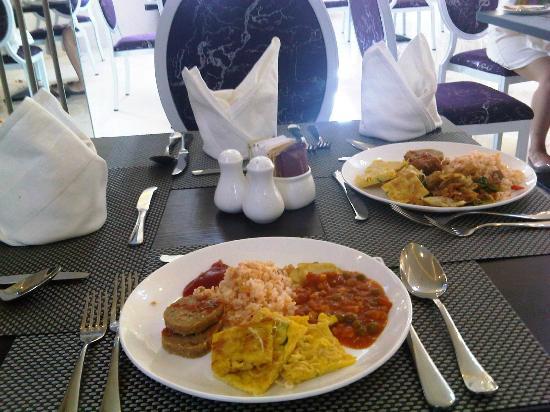 Gino Feruci Braga Hotel: Breakfast