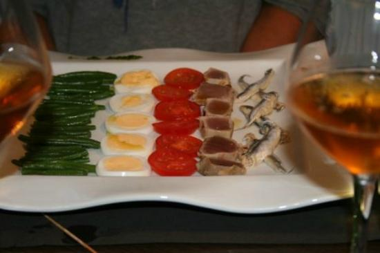 Les Canisses : A salade nicoise, prepared for a special diet by the chef
