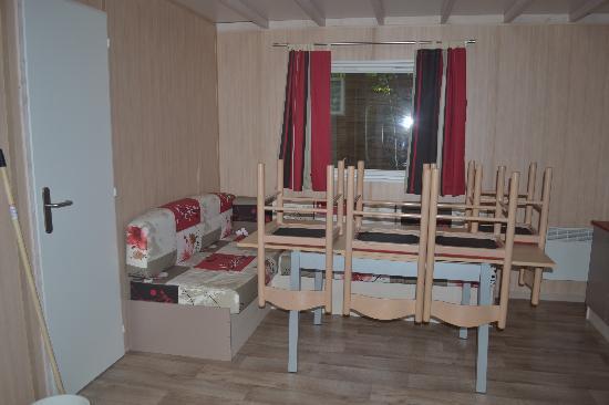 Campsites Le Parc de Fierbois: séjour chalet grand espace