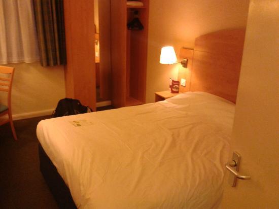 Campanile Hotel Milton Keynes - Fenny Stratford: A double bedroom
