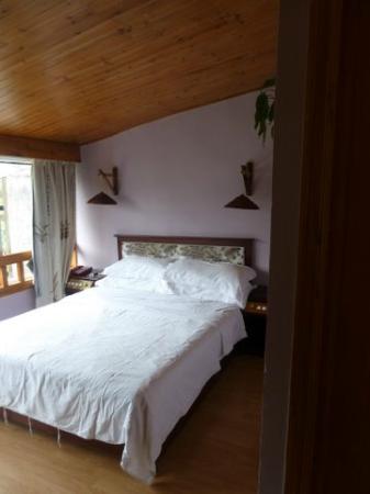 يانجتشو ريفر فيو هوتل: Our comfortable bed 