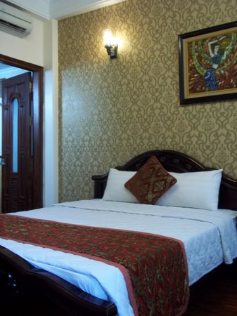 Little Hanoi Diamond Hotel : the room