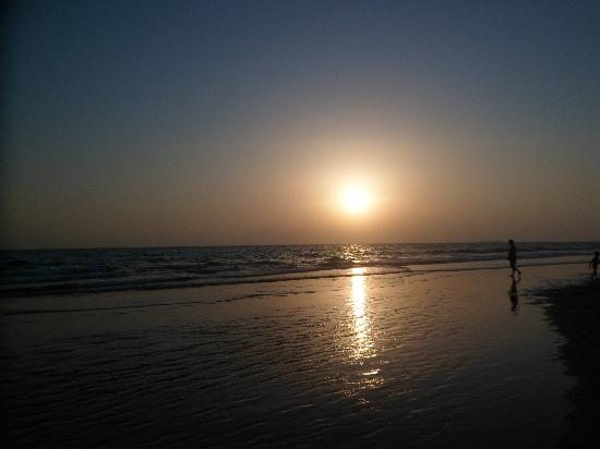 Hospederia Santiago: puesta de sol en la barrosa