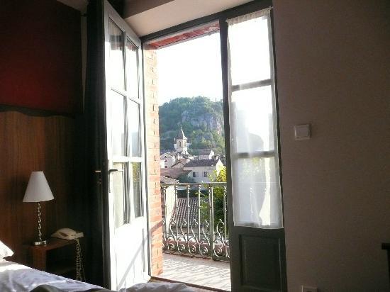 Hôtel La Truite Dorée : basic room with balcony + view