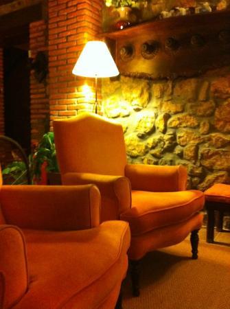 Posada Rural Caborredondo: salón