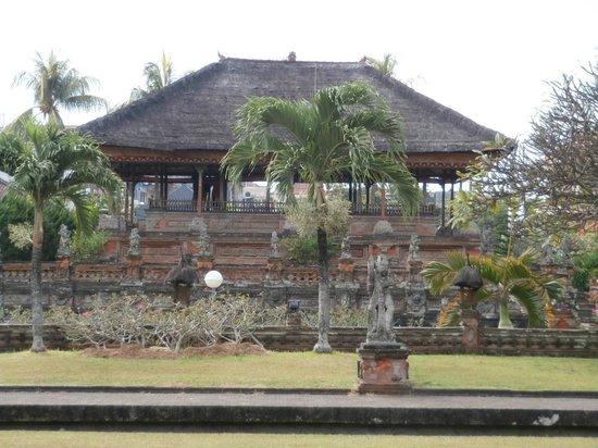 Taman Gili and Museum Daerah Semarapura