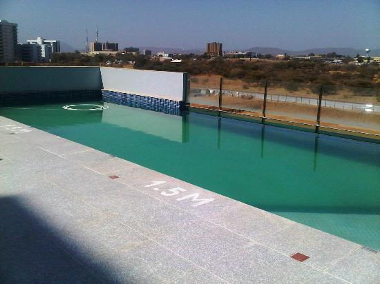 Masa Square Hotel : Swimming Pool on 3rd Floor