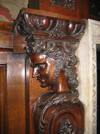 Bank of Ireland: Fireplace detail