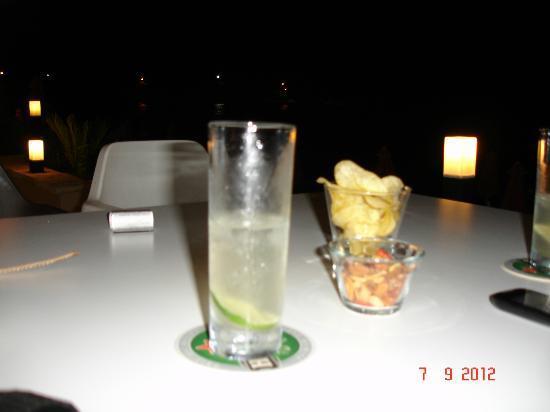 Al Mare Beach Hotel : το ποτάκι σου χαλαρά.....