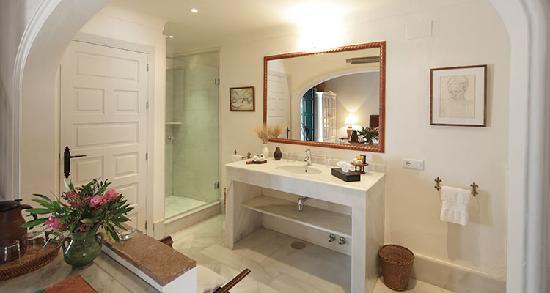 Hacienda de San Rafael: Deluxe bathroom