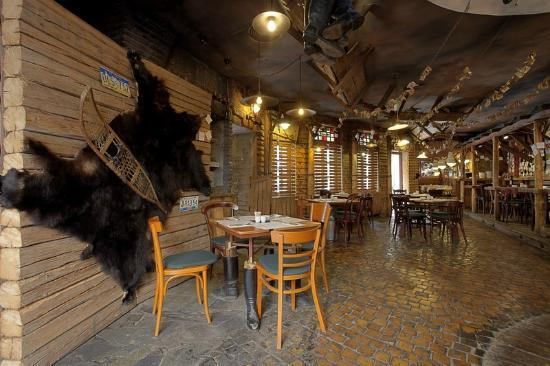 Papa Joe's Saloon & Steakhouse : bear
