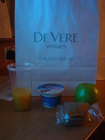 Cheadle House: Breakfast to go.