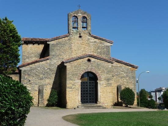 San Julian de los Prados