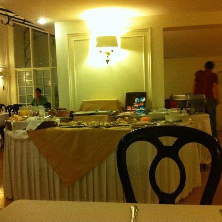 Hotel Neruda Express: Café da manhã