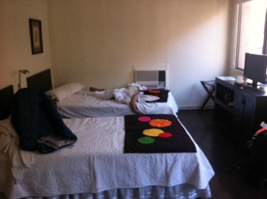 Hotel Neruda Express: Quarto Superior Com Duas Camas