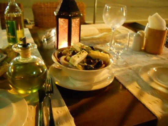 Yianni Restaurant: insalata greca