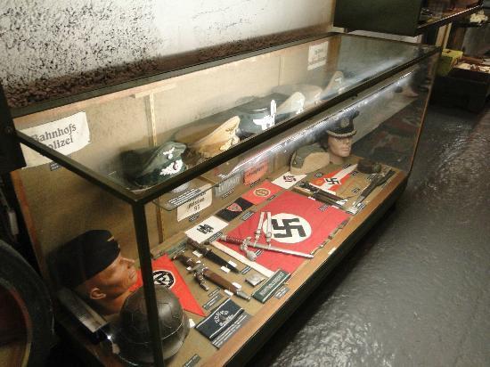 La Vallette Underground Military Museum: Головные уборы немецкой армии