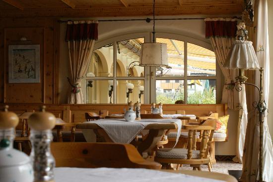 Family Wellnesshotel Tirolerhof: Restaurant