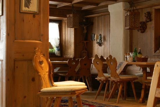 Family Wellnesshotel Tirolerhof: Lobby