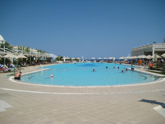 La Piscina Per Bambini Picture Of Kaya Artemis Resort And Casino Bafra Tripadvisor