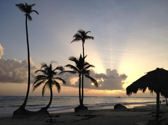 Iberostar Grand Hotel Bavaro: sunrise on the beach