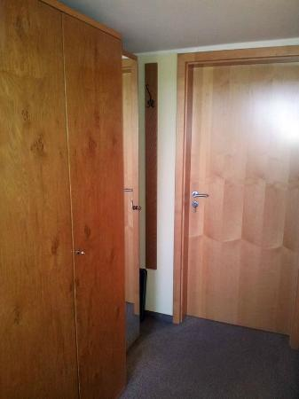Garni Hotel Kraterblick: Zimmerflur