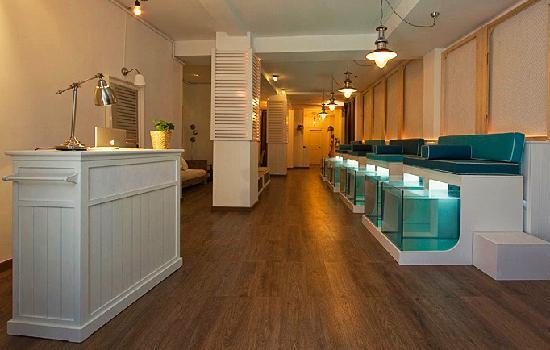 AquaBliss Fish Spa