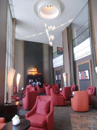 Sofitel Malabo Sipopo Le Golf: Great bar !