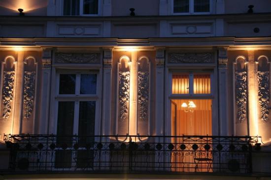Senacki Hotel: Hotel Exterior