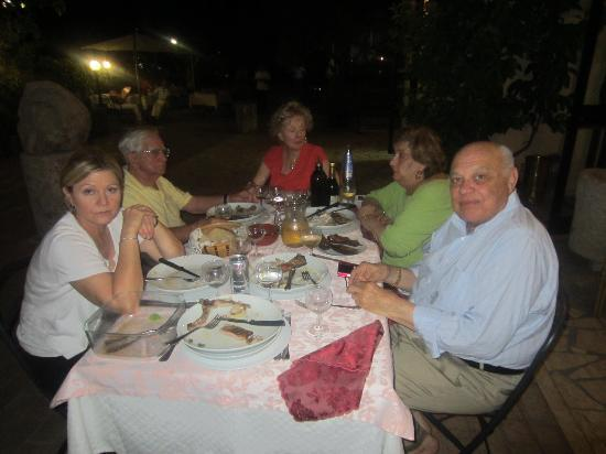 Arpino, İtalya: Dinner with friends
