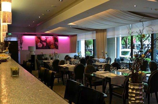 ZiN-ZiN: Restaurant