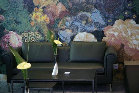 ZiN-ZiN: Lounge