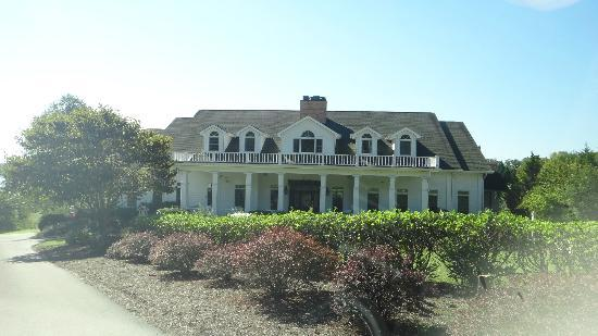 Whitestone Country Inn: The Farmhouse