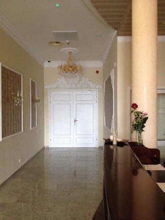 Santana: холл 1й этаж