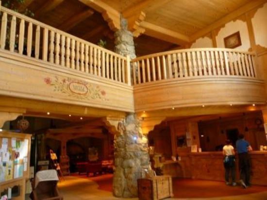 L'Oree des Cimes: Mezzanine de la réception
