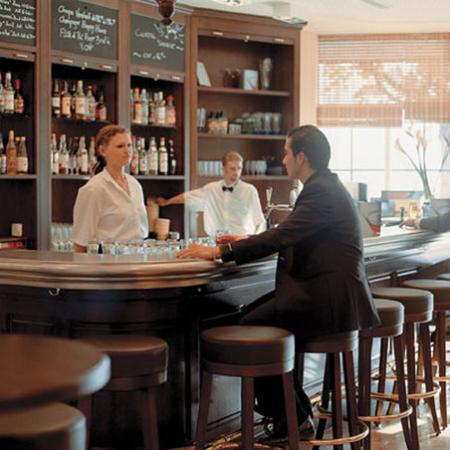 Movenpick Hotel Lausanne: Bar