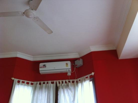 City Towers Hotel: A/C Room