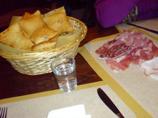 Gossolengo, Italy: ...quel che resta degli affettati